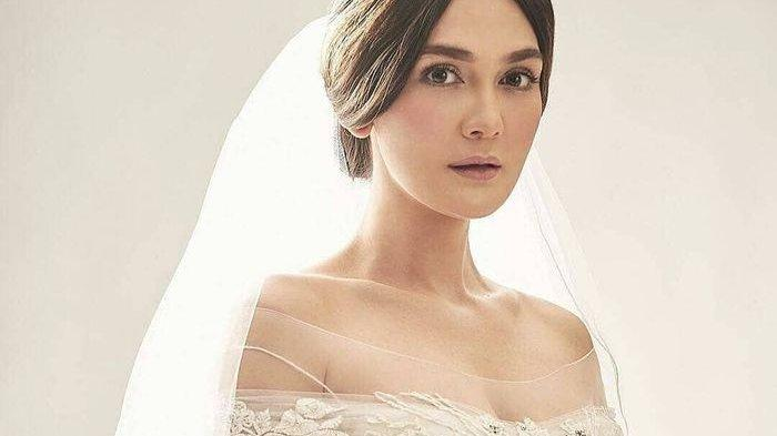 Luna Maya disebut bakal menikah tahun depan. Gelar pesta bujang di Sumba hingga sosok pria diduga calon suami jadi sorotan warganet