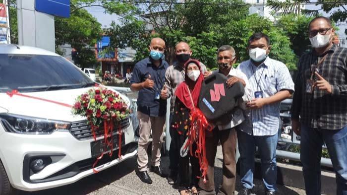 Jukir Kawasan Indrapura Surabaya Menangkan Hadiah Suzuki Ertiga BRI Kanca Kusuma Bangsa