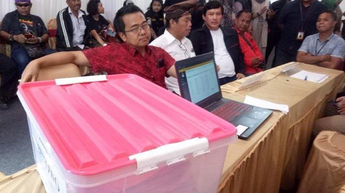 Dianggap Kurang Lengkap, Berkas Pendaftaran M Sholeh-Taufik Hidayat Tak Diterima KPU Surabaya