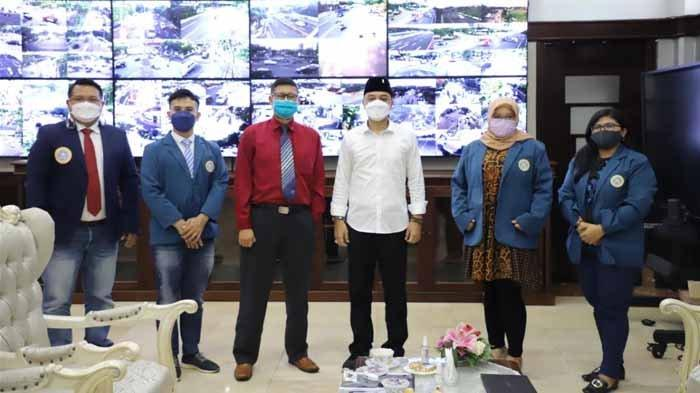 80 Persen Warga Surabaya Puas di 100 Hari Kinerja Eri-Armuji, MM Unair: Program Pro Rakyat Dirasakan