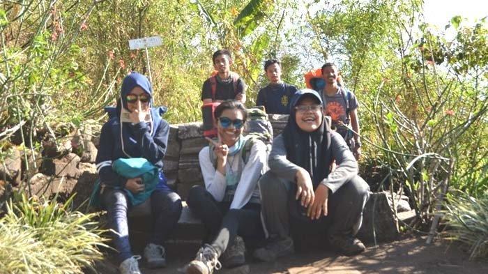 Menyinggahi Situs Purbakala di Gunung Pawitra, Jalur Tamiajeng Paling Sering Dipilih Para Pendaki