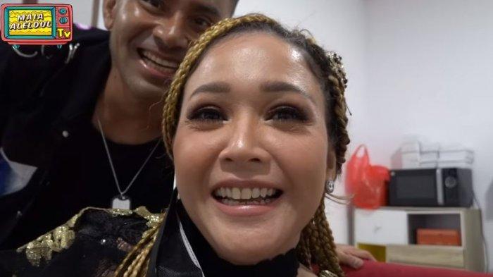 Maia Estianty di balik panggung final Indonesian Idol 2021