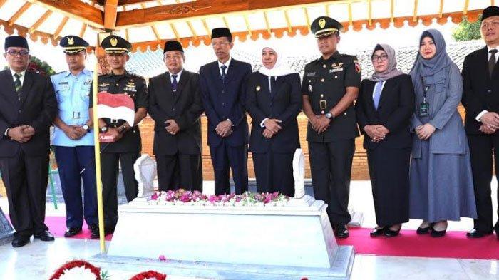 Jelang HUT Jawa Timur ke 74, Ziarah ke Makam Gubernur Pertama di Kabupaten Magetan