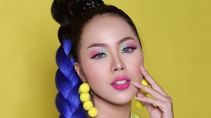 Inspirasi Makeup Fun and Fresh, Anti Boring dengan Main Tabrak Warna