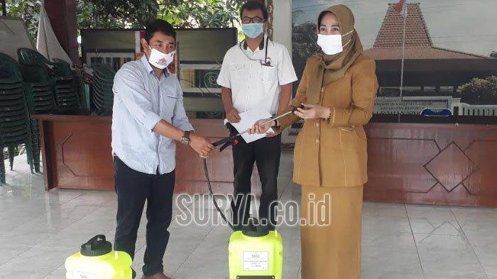 Cegah Penyebaran Covid-19, Semen Indonesia Salurkan Alat Semprot dan Cairan Disinfektan