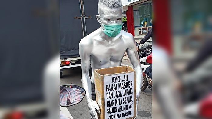 Aksi Manusia Silver yang Edarkan Kotak Sumbangan di Kota Kediri Tuai Pro dan Kontra