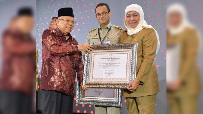 Pemprov Jatim Borong 6 Predikat WBK, Khofifah Dianugerahi Penghargaan Sebagai Pemimpin Perubahan