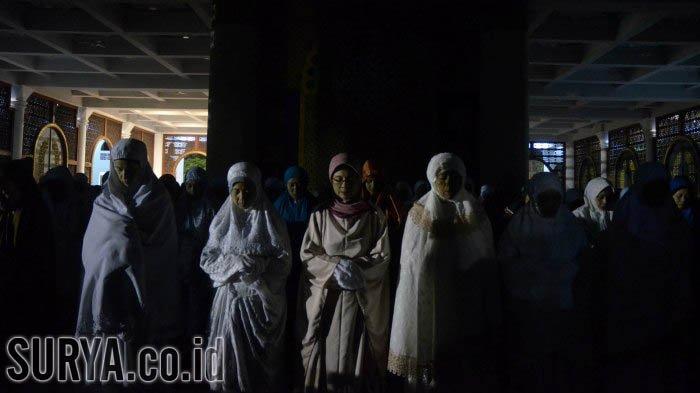 Hari Ini Malam Ganjil Terakhir 29 Ramadan 1442: Berikut Amalan yang Dianjurkan
