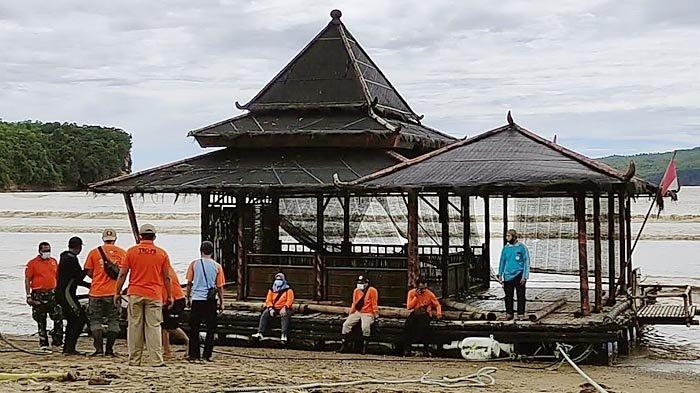 Masjid Apung di Pacitan Hanyut ke Tengah Laut Berhasil Dievakuasi, BPBD Libatkan Banyak Elemen