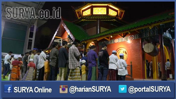 GALERI FOTO - Suasana Salat Tarawih Pertama di Masjid Cheng Hoo Surabaya - masjid-muhammad-cheng-hoo-surabaya_20160605_200659.jpg