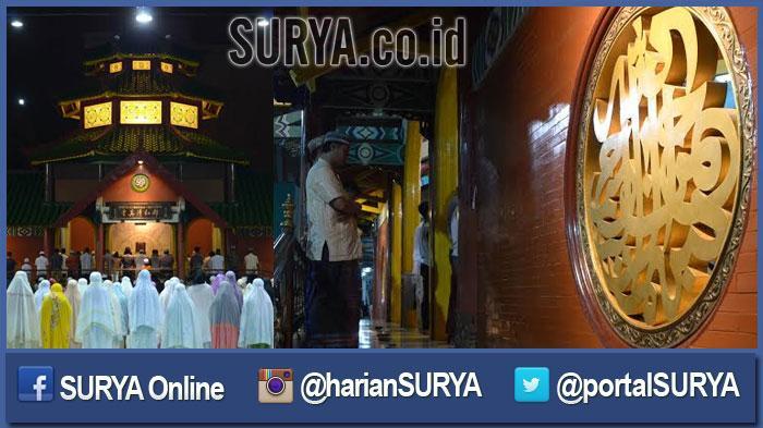 GALERI FOTO - Suasana Salat Tarawih Pertama di Masjid Cheng Hoo Surabaya - masjid-muhammad-cheng-hoo_20160605_202228.jpg