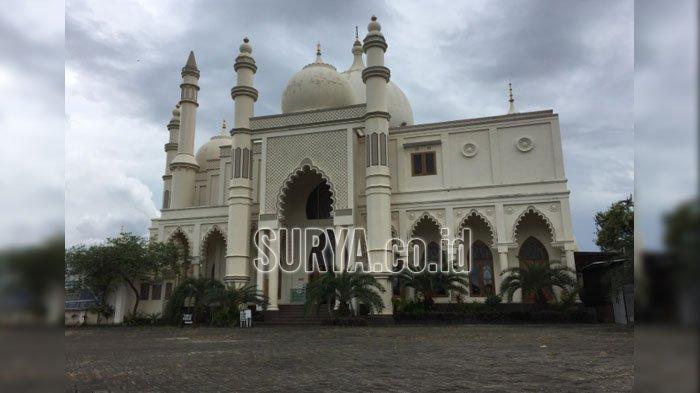 Masjid Salman Al Farisi di Dau Kabupaten Malang, Bangunannya Sepintas Mirip Taj Mahal India