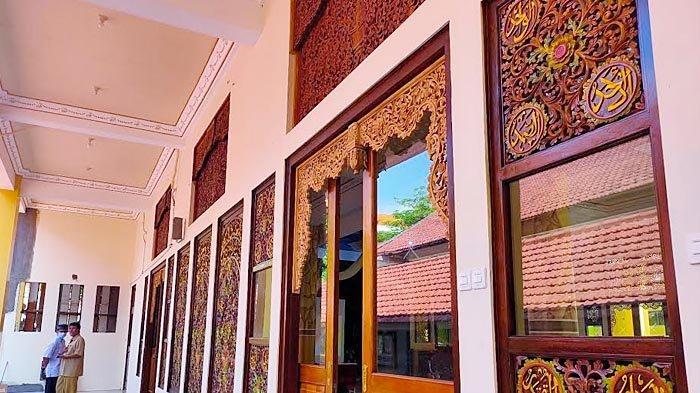 SMKN 2 Surabaya Siapkan Masjid Untuk Gerakan Sekolah Menyenangkan