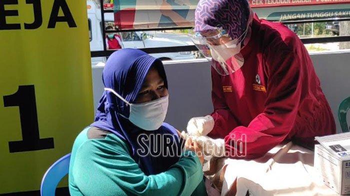 Warga Difabel di Kabupaten Ponorogo Disuntik Vaksin Covid-19 Sinopharm