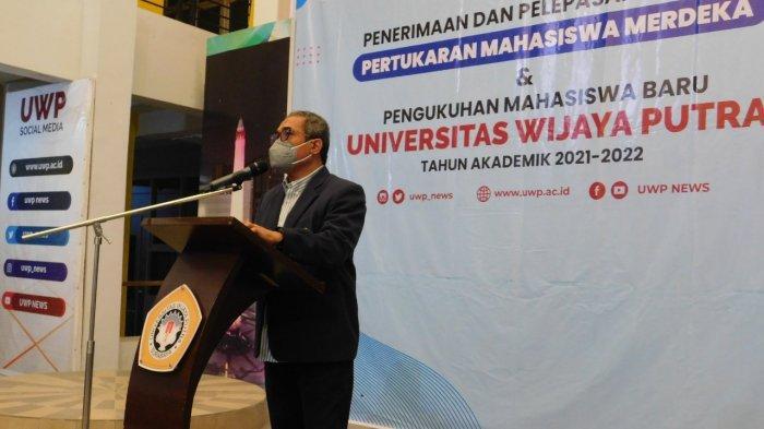 Rektor Universitas Wijaya Putra (UWP) Surabaya, Dr Budi Endarto SH MH