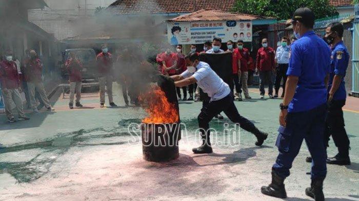 Pasca Kebakaran Lapas Tangerang, Petugas LP Blitar Dilatih Penanggulangan Kebakaran
