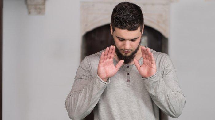 Berapa Kali Mengangkat Tangan dalam Sholat? Berikut Tata Caranya Meniru Rasulullah