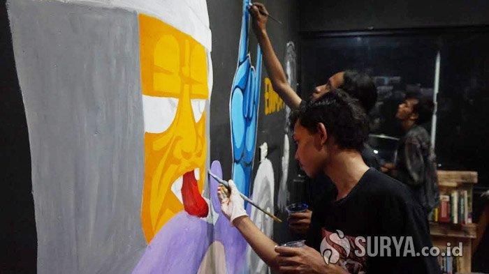 Tarik Kreativitas Pemuda, Bunuh Diri Studio dan Serikat Mural Surabaya Selenggarakan Workshop
