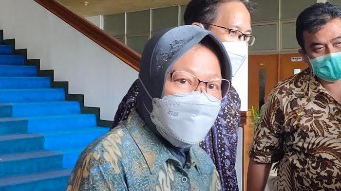 Mensos Tri Rismaharini Datangi ITS dan Unair untuk Membuat Rumah Tahan Bencana