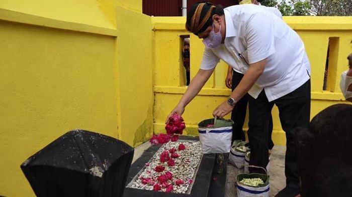 Menko Perekonomian Airlangga Hartarto Ziarah Makam Ki Ageng Gribig di Klaten