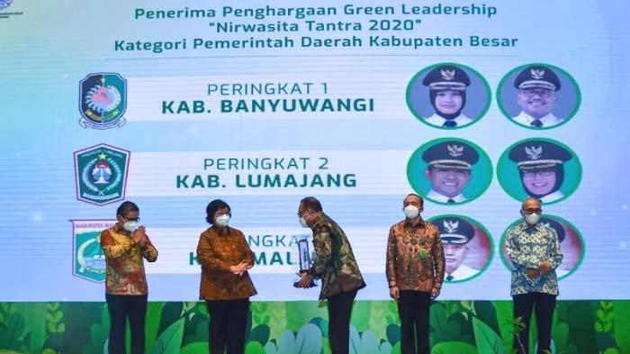 Kembangkan Ekowisata, Banyuwangi Raih Juara Narwasita Tantra dari Kementerian LHK