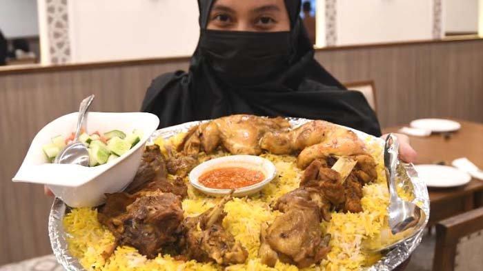 Menu Khas Timur Tengah saat Momen Istimewa di Restoran Al Hamra Sidoarjo, Ada Nasi Mandee dan Kebuli