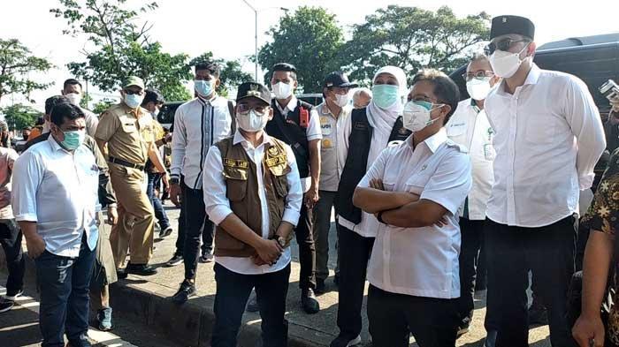 Sikap Wali Kota Surabaya Eri Cahyadi dan Bupati Bangkalan Abdul Latif Amin Imron Tangani Covid-19