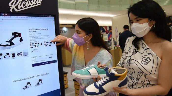 Tampil makin Personal dengan Sepatu Custom, Perawatan Cukup Usap Bagian yang Kotor