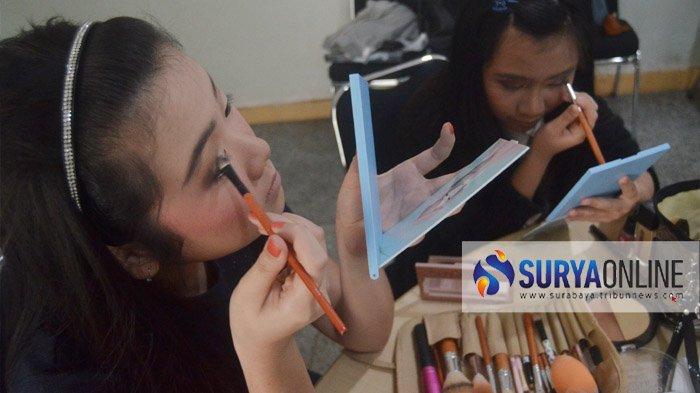 Simple Beauty Day Gelar Kelas Kecantikan Bertema 'Chic Make Up For Graduation'