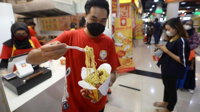 Kuliner Unik Pertama di Indonesia, Sensasi Nikmati Mie Susu di Royal Plaza Surabaya