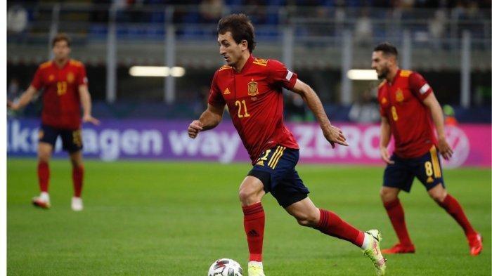 Mikel Oyarzabal tampil ciamik dan mencatatkan dua assist pada babak pertama lawan Italia, Kamis (7/10/2021)