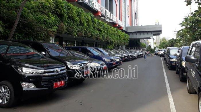 VIDEO - Mobil Pemkot Surabaya 'Masuk Kandang' Nggak Boleh Dipakai Selama Libur Lebaran