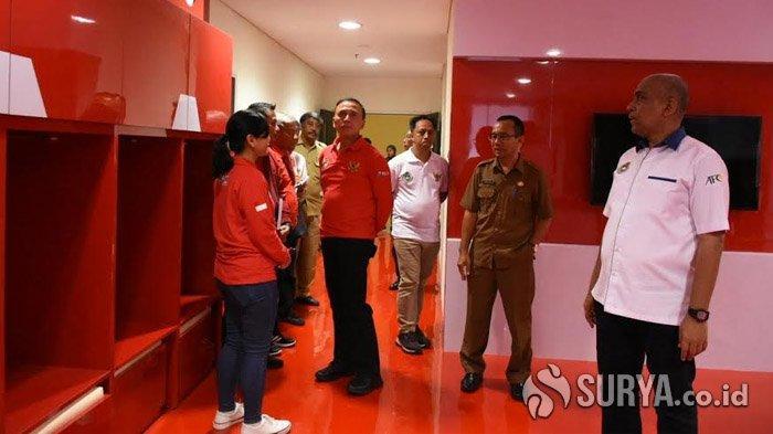 Usai Sidak di Stadion GBT, Ketua Umum PSSI Langsung Inspeksi di Stadion Gelora Joko Samudro