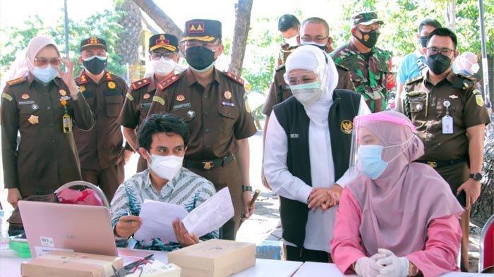 Upaya Wujudkan Herd Imunity, Gubernur Khofifah Apresiasi Vaksinasi Covid-19 Massal Kejati Jatim
