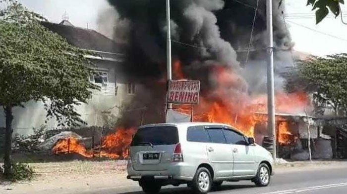 Kronologi Kebakaran Gudang Rongsokan di Mojokerto, Api Padam Setelah Didatangkan 3 Unit Mobil PMK