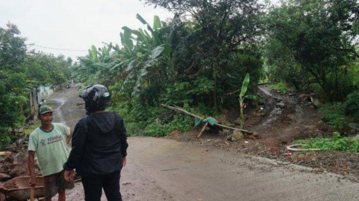 Pemicu Warga Gondang Kabupaten Mojokerto Blokade Jalan Akses Menuju Pertambangan Pasir