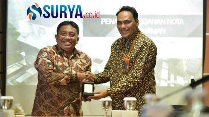 Teken MoU bersama PT Garam Persero, Rektor UTM : Ini Komitmen Kami Kembangkan Potensi Garam Madura