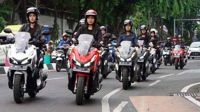 Buktikan Kenyamanan Berkendara, MPM Ajak Konsumen Honda ADV150 Keliling Kota Surabaya