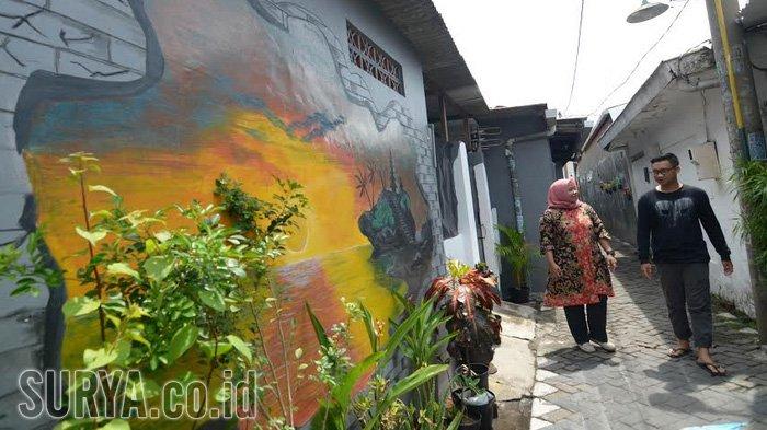 Gali Potensi, Pemuda Karang Taruna Dinoyo Hias Kampungnya Pakai Mural Tiga Dimensi