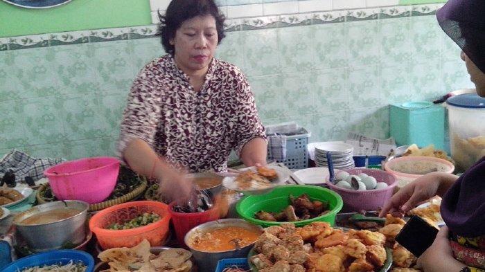 Berburu Nasi Pecel Mbok Bariyah Ponorogo