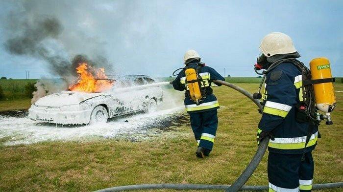 Tips Mudah Mengatasi Mesin Mobil Overheat