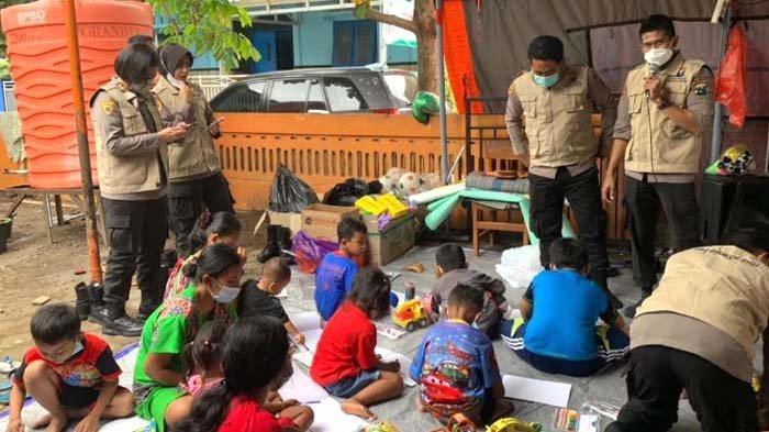 Karo SDM Polda Jatim Pimpin Pemberian Bantuan Trauma Healing terhadap Korban Longsor di Nganjuk