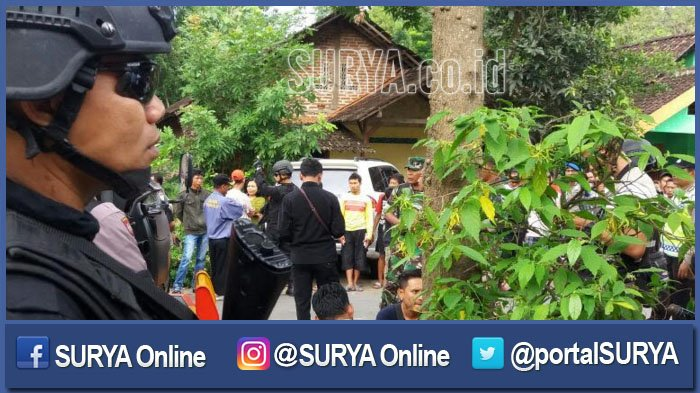 Densus 88 Geledah Rumah Orangtua Terduga Teroris di Ngawi, ternyata Temukan Barang Bukti ini