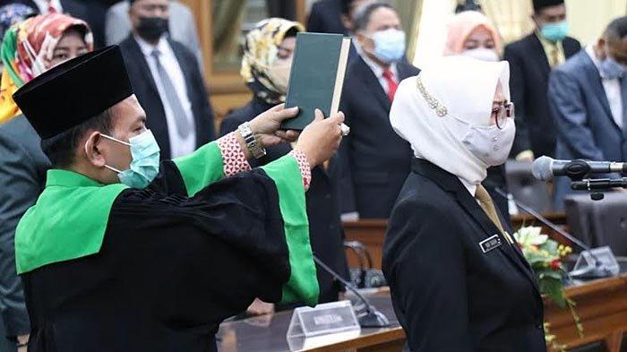 Gantikan Asluchul Alif, Nur Saidah Resmi Dilantik Jadi Wakil Ketua DPRD Gresik