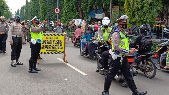 PPKM Gresik, Petugas Jaring 14 Pelanggar Protokol Kesehatan di Hari Perdana