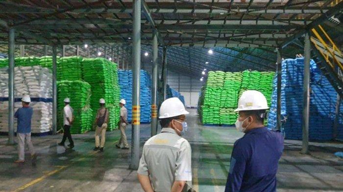Curang, Sambat Tak Dapat Izin Impor, Pabrik Gula di Lamongan Malah Timbun 15 Ribu Ton Gula Rafinasi