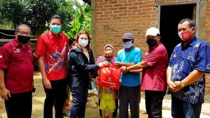 Kucurkan Bansos Senilai Rp 2,5 Miliar, Kemensos Ajak Warga Pacitan Tanamkan Kesetiakawanan Sosial