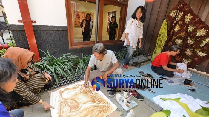 Galeri Foto Pameran Lukisan Batik Rona Pesona Komunitas Batik Lukis Jatim di HOS Sampoerna Surabaya