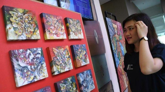 12 Lukisan Dipamerkan di Lobi Ibis Surabaya City Center Surabaya