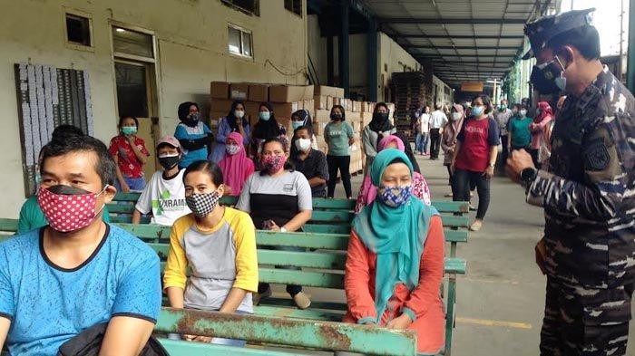 Panglima Koarmada II Beri Dukungan Vaksinasi Covid-19 untuk Pekerja Industri di Surabaya